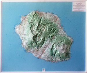 ÎLE DE LA RÉUNION (RELIEF - RELIEVE) 1/100 000 *