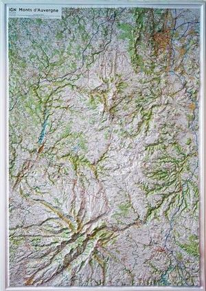 MONTS D'AUVERGNE (RELIEF - RELIEVE) 80CM X 113CM. *
