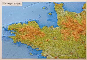 BRETAGNE / COTENTIN (RELIEF - RELIEVE) 1/380 000 *